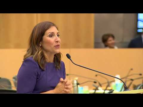 Swearing-in ceremony for Seattle Council member Mosqueda