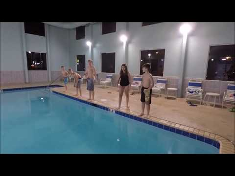 Florida Hotel: Quick Visit To The Indoor Pool