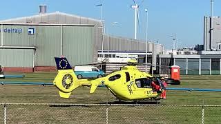 Lifeliner 4 vertrekt na medisch ongeval bij Aldel te Farmsum