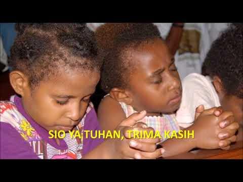 Lagu Tanah Papua oleh Trio Ambisi dengan Lirik