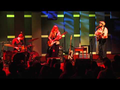 Ray LaMontagne Performs