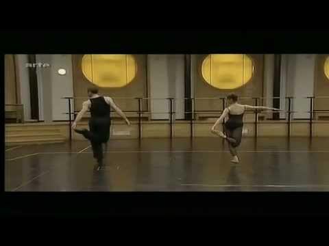Nolwenn Daniel & Wilfried Romoli répétition Bella figura - JIRI KYLIAN - Opera de Paris -