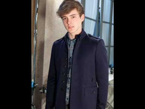 I admire Alexander Chris Watson ♥