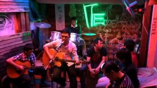 Phía sau ánh mắt buồn - Văn Tài guitar (Tre cafe 377 Nguyễn Khang)