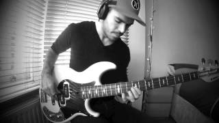 DAFT PUNK - Get Lucky [Bass Loop Solo by Miki Santamaria]