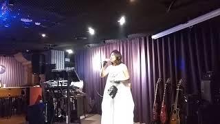 飛喬Live music Jazz bar百靈鳥墨墨演唱