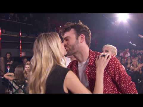 "Thumbnail: The Chainsmokers + Halsey Acceptance Speech ""Closer"" Best Dance Song 