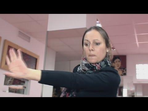 Una talentosa bailarina de flamenco baila con el ritmo del silencio Impacto