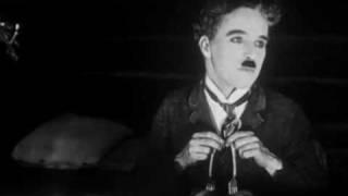 The Gold Rush - Charles Chaplin (1925) - Oceana Roll Dance