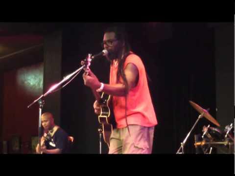 KEPI DE KOKOS - Live pour terre des hommes 2014