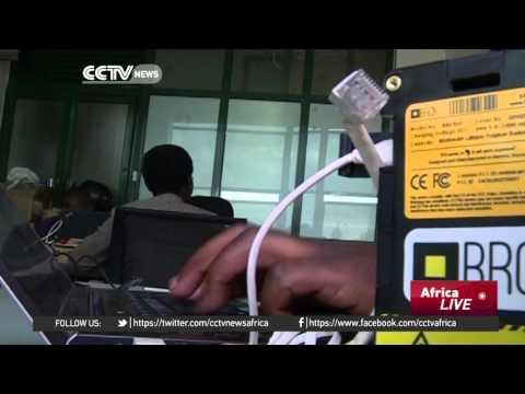 Kenyan pupils swap textbooks for digital tablets