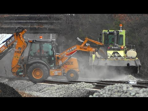 MOW Equipment Working & Trains In St Denis Station