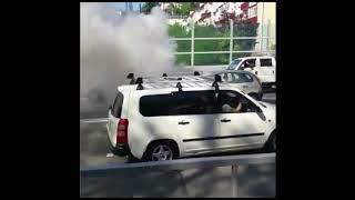 В Сочи на наовой заре сгорел автомобиль