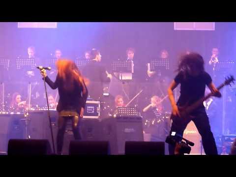 Christmas Metal Symphony 2009 - Simone Simons