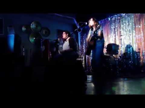 Girl Gang- Second Hand News (Fleetwood Mac cover)