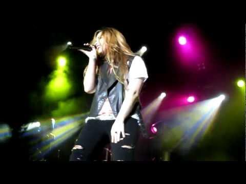 Who's That Boy - Lesbian For Demi - Demi Lovato - Show de Belo Horizonte - Brasil - 22/04/2012