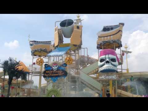 Playtime At The Bangi Wonderland New Waterpark In Malaysia 2016 ✔