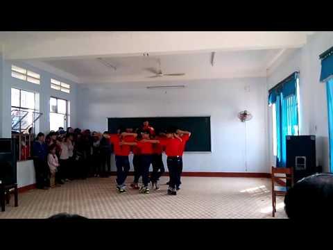 11a9 nhảy earobic hiện đại tại trường thpt nguyễn hồng đạo