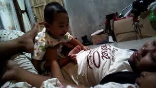 Bayi azza Ketawa lucu buanget(1)