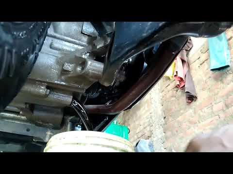Honda Activa Engine oil change, Activa ka engine oil ya Mobil kaise badalen