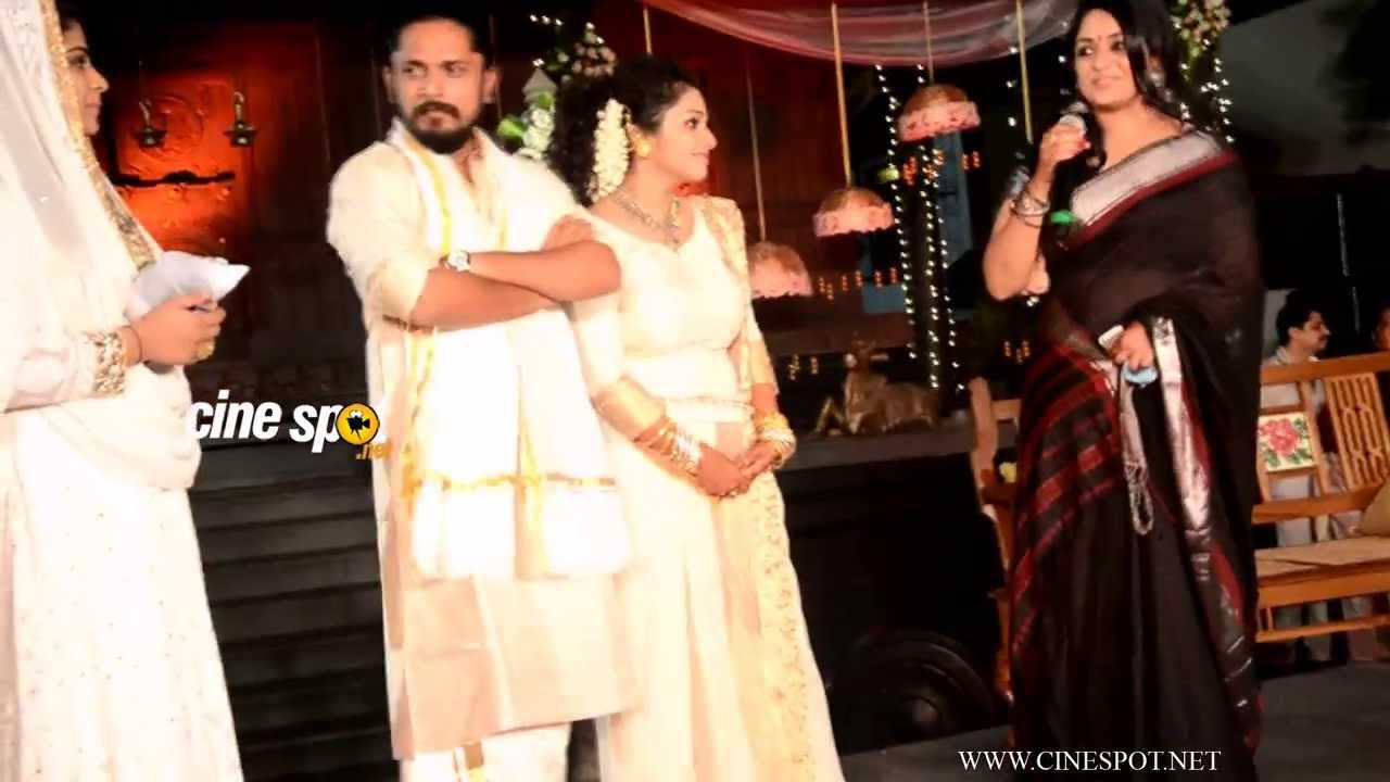 Kavya Madhavan At Ann Augustine Wedding Reception Youtube