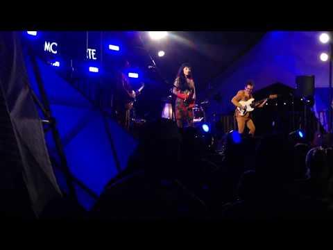 Mon Laferte en Vivo Santa Monica Pier concierto completo