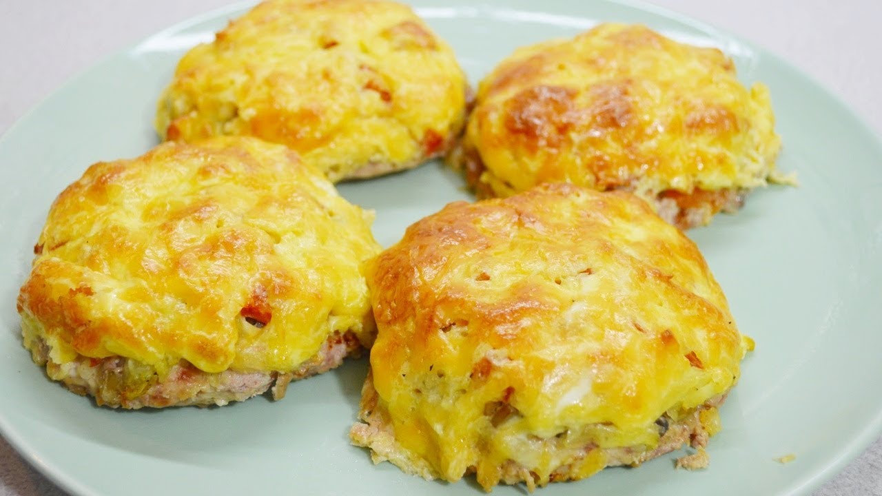 ?Шикарное мясное блюдо с грибами, картофелем и сыром, без преувеличения (может быть и повседневным и