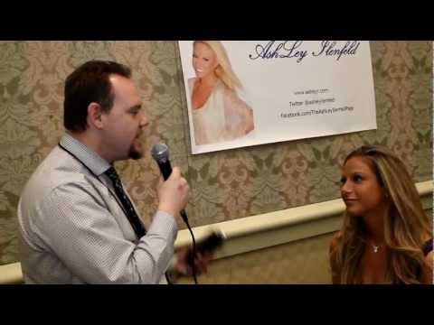 Glamourcon 54, A moment with playmate Ashley Ilenfeld, Aka Ashley I