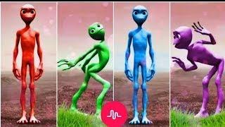 رقصة الكائن الفضائي بجميع الالوان والسرعات 🤣😅