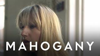 Robyn Sherwell - Islander // Mahogany Session