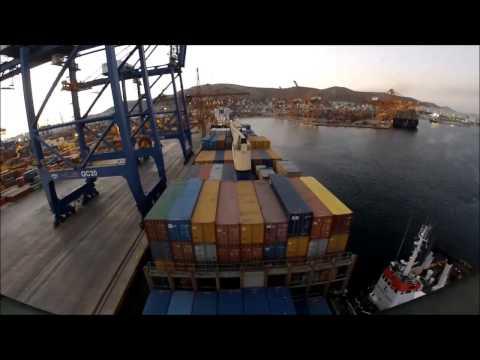 How a ship berth to: Piraeus ICT