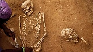 """شاهد.. اكتشاف مقبرة """"فلستية"""" عمرها أكثر من 3000 عام قرب عسقلان"""