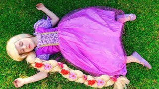 Story of a Little Princess Rapunzel and her Mom