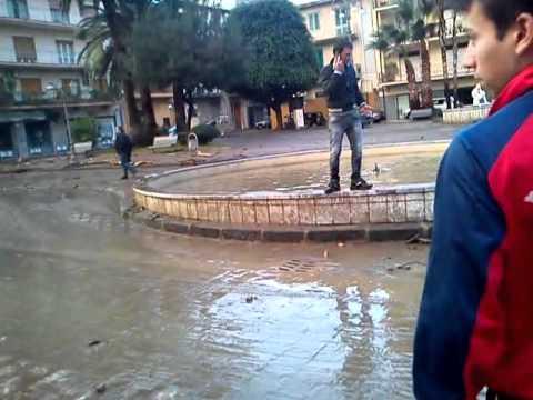 Barcellona pozzo di gotto alluvione 22 11 2011 youtube for Arredamenti barcellona pozzo di gotto