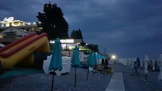 """Пляж """"Калипсо"""", Лазаревское. Ночная жизнь - купание, отдых. Погода летняя, t  + 27 °C. Сентябрь 2019"""