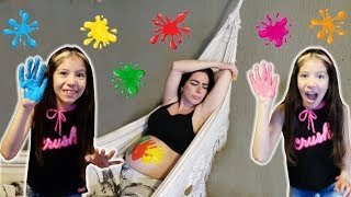 APRENDENDO AS CORES - LEARN COLORS FOR CHILDREN BODY PAINT FAMILY SONG