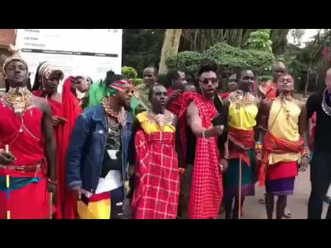 OMARION IN NAIROBI, KENYA WITH THE MASAI WARRIORS ON THE ZONS TOUR