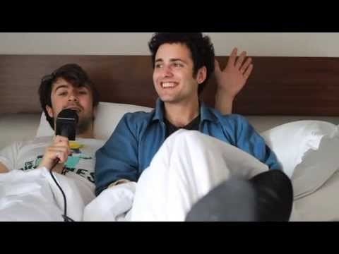 In bed with The Vaccines - Buzznet