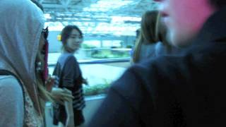 "[fancam] 110912 SNSD少女時代送機 Taiwan Tauyuan airport  walking to VIP room(Taeyeon""s smile:)"