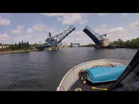 Houseboating Seneca, IL to Chicago - 06