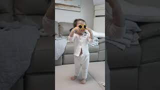 3살아기의 선글라스 댄스~