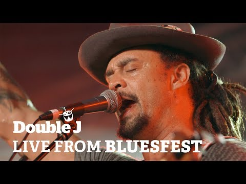 Michael Franti - Flower In The Gun (live at Bluesfest)