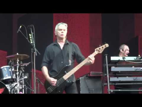 THE STRANGLERS @ RETRO C'TROP, TILLOLOY 24 06 17 BEAR CAGE