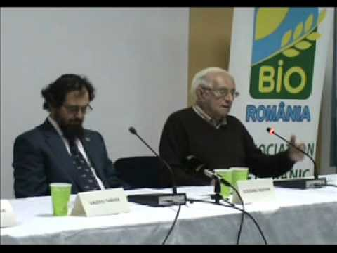 prof  Petre Papacostea la Romanian Organic Forum 2010