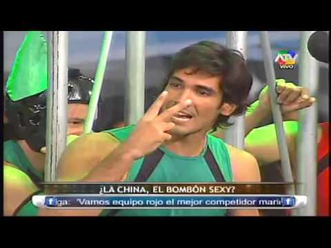 COMBATE La Pantera Empuja A La China A La Piscina 21/06/13