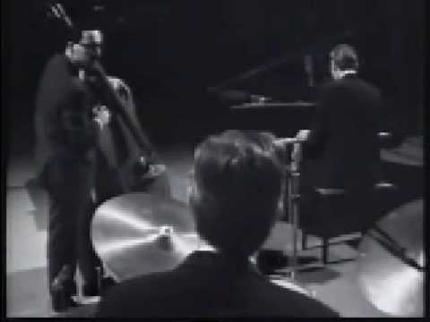 Alex Riel with BILL EVANS TRIO  -  Autumn Leaves  (1965)
