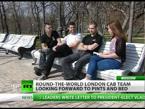 Old-style London cab hits Moscow streets