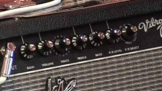 Fender Vibro Champ XD small modeling guitar amplifier demo review