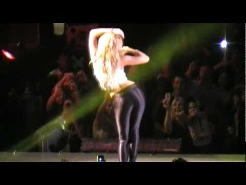 "Shakira ""La Tortura"" Live Orlando, FL - YouTube Shakira Youtube"