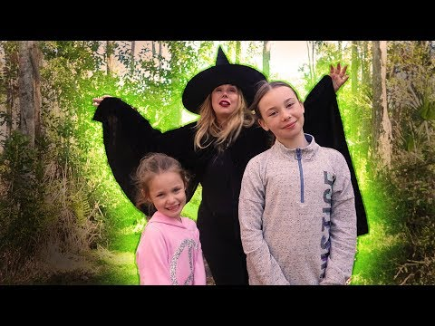 Our Mom is a Witch Part 2 Pretend Play